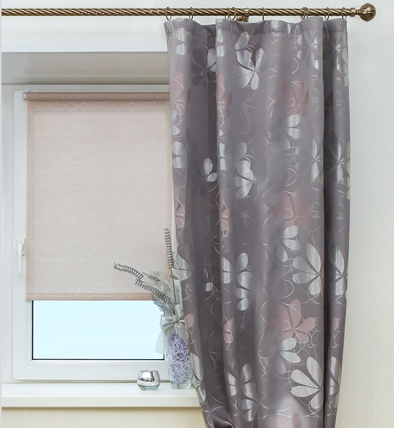 Рулонные шторы бежево-розовые Гелакси пудра